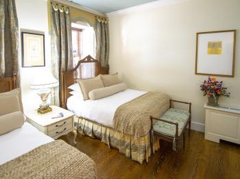 Marguerite & Percy-Double room-Private Bathroom
