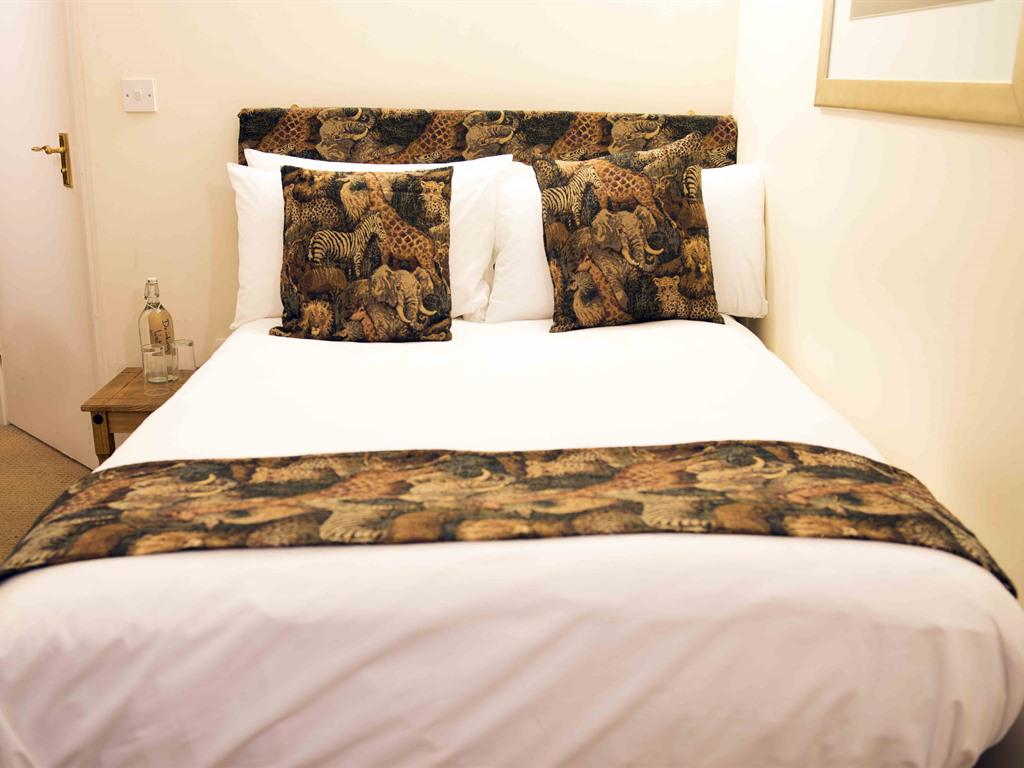 Double room-Small Double - Savannah-Ensuite with Shower
