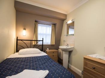 Single room-Economy-Shared Bathroom - Single room-Economy-Shared Bathroom