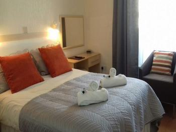 Standard Double Room En-Suite - book direct to get the best weekend break offers