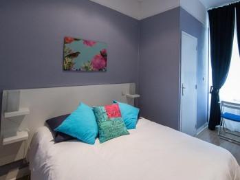 Chambre double grand lit 1 ou  2 personnes