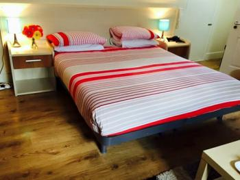 Inn on the Broadway - A double room & suite