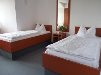 Doppelzimmer-Budget-Ensuite Dusche-Bergblick-Forsthaus 4