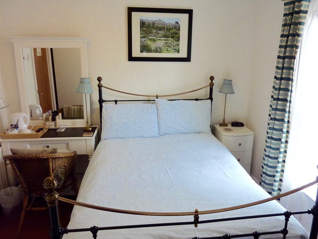 Double room-Standard-Ensuite with Shower-Small Double