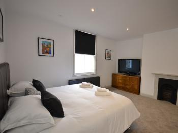 Suite-Luxury-Private Bathroom-Private Lounge