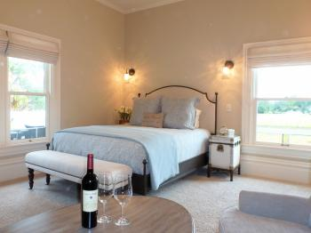 Queen-Ensuite with Shower-Vineyard view-Grayson Room - Base Rate