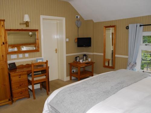 Room 3 - Double or Twin En-suite with Garden view