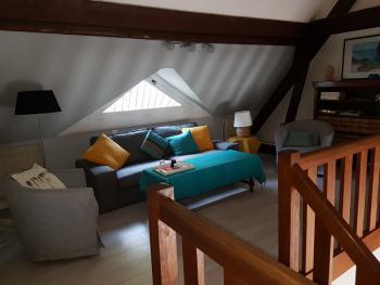 La Suite Familiale: salon de l'étage