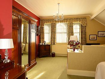 Double room-Deluxe-Ensuite with Shower-Street View-Second Floor