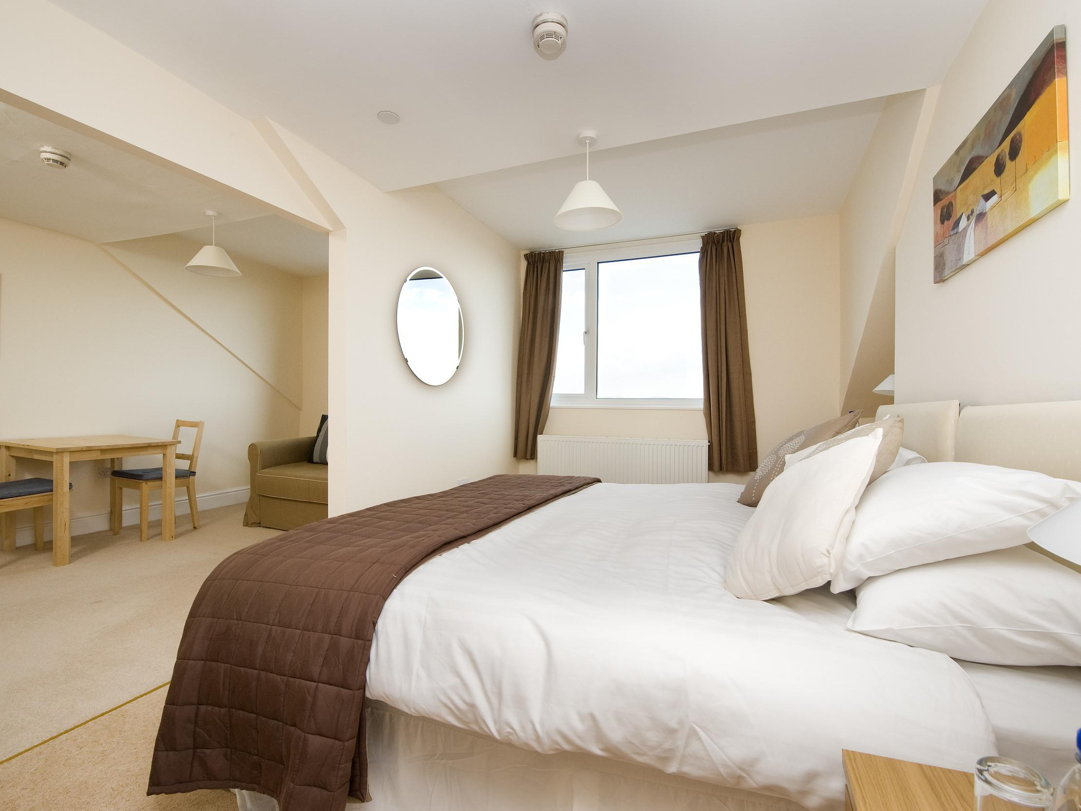 Double or Twin-Superior-Ensuite with Bath-Sea View-Crow's Nest