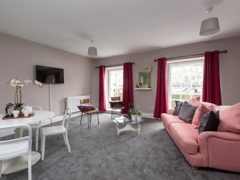 Cornerstone Apartments - Apartment lounge