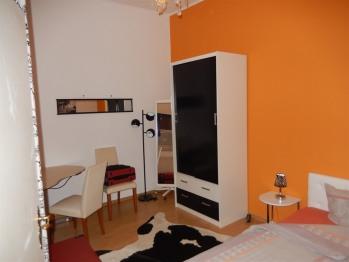 """Einzelzimmer  """"orange is the new black"""""""