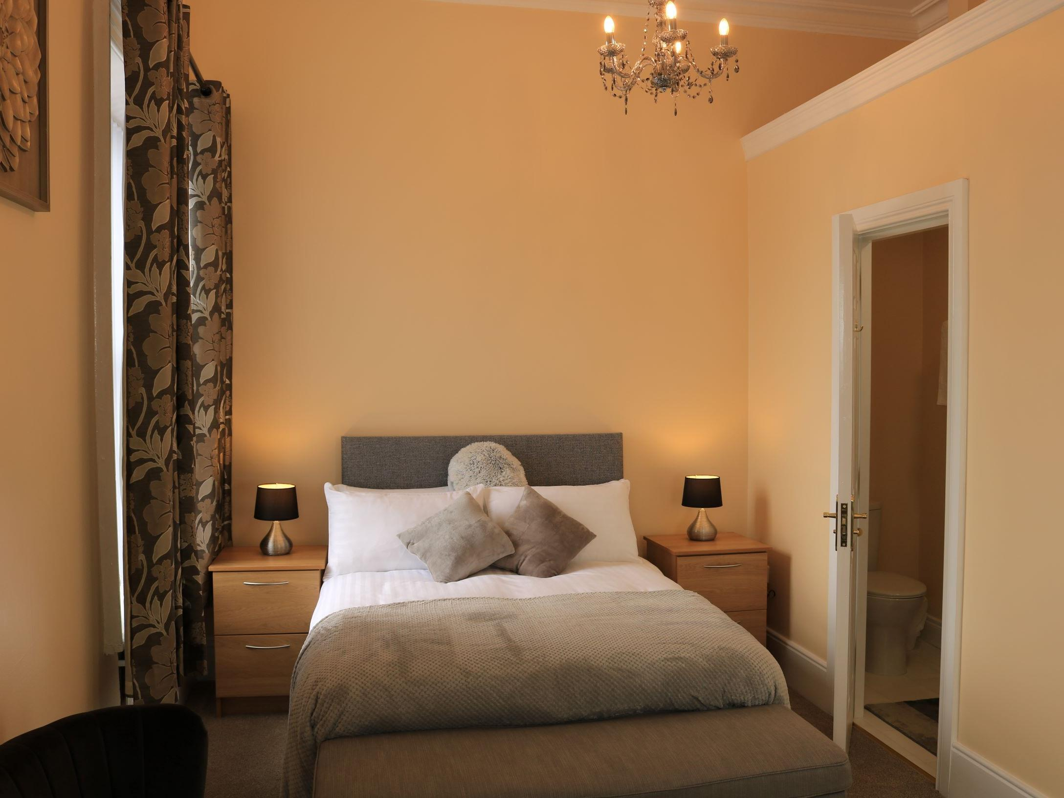 Double Deluxe Ensuite - Sleeps 2