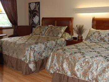 10 -2  full size beds-Double room-Standard-Ensuite