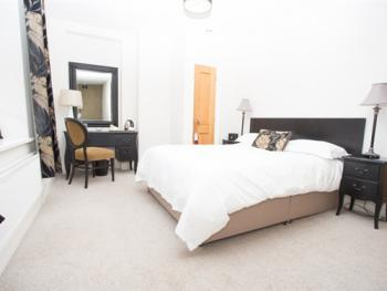 Double room-Ensuite with Shower-Room 9