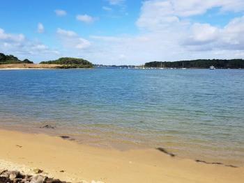 Plage des Sept-îles à 3km