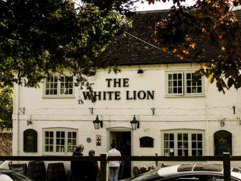 View of The White Lion from the Church Green.