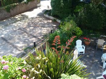 Pleasant Gardens & Patio for guests enjoyment
