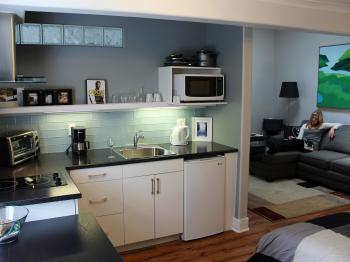 Sunrise Suite 2 Kitchenette