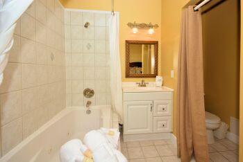 Room 17 Bathroom