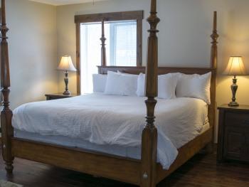 Quad room-Ensuite-Standard-Monashee Suite.