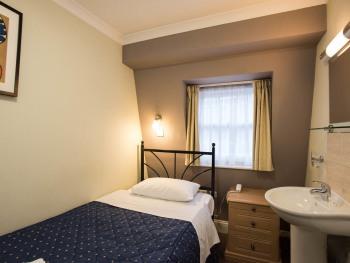 Single room-Standard-Shared Bathroom