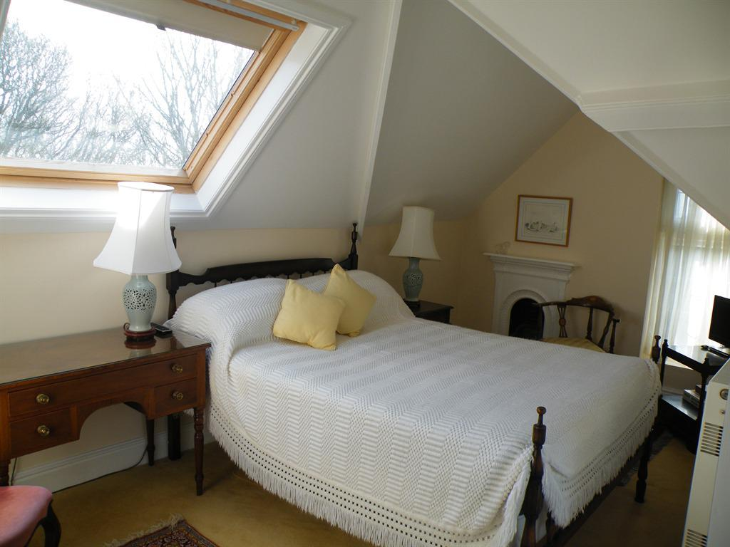 Suite-Private Bathroom-1-bed