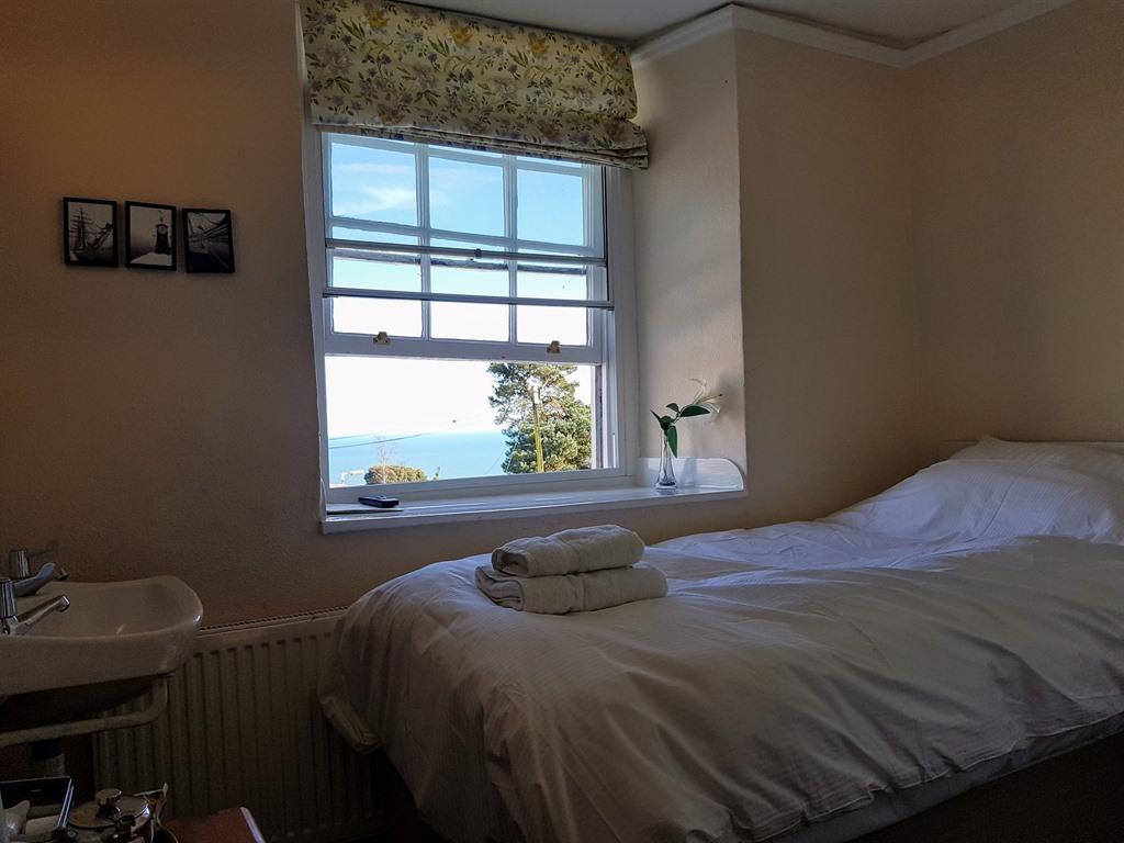 Single room-Ensuite-First Floor Sea View
