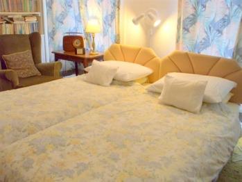 Ainslie (twin) Bedroom, Carlton Seamill