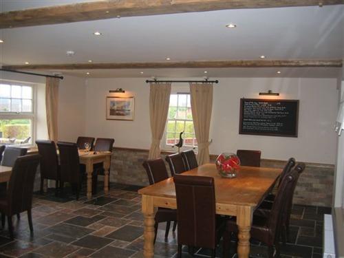 The King William IV, Hunstanton | Garden Restaurant Family Table for 10