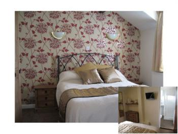 Cosy double room and bathroom