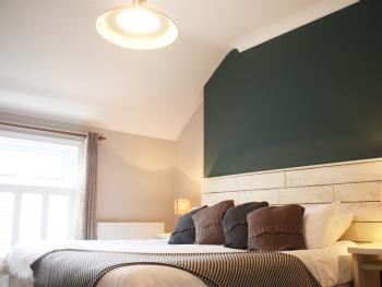 Dover - Double En-suite with Side Sea View