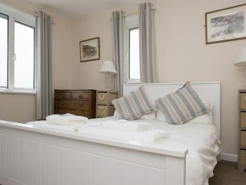 Bedroom in The Crows Nest