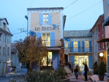 La grande et célèbre librairie de Banon