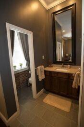 Delia room Bathroom 2
