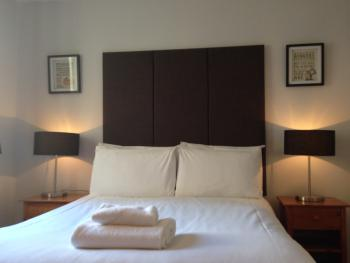 Double room-Ensuite-Small Double - Base Rate