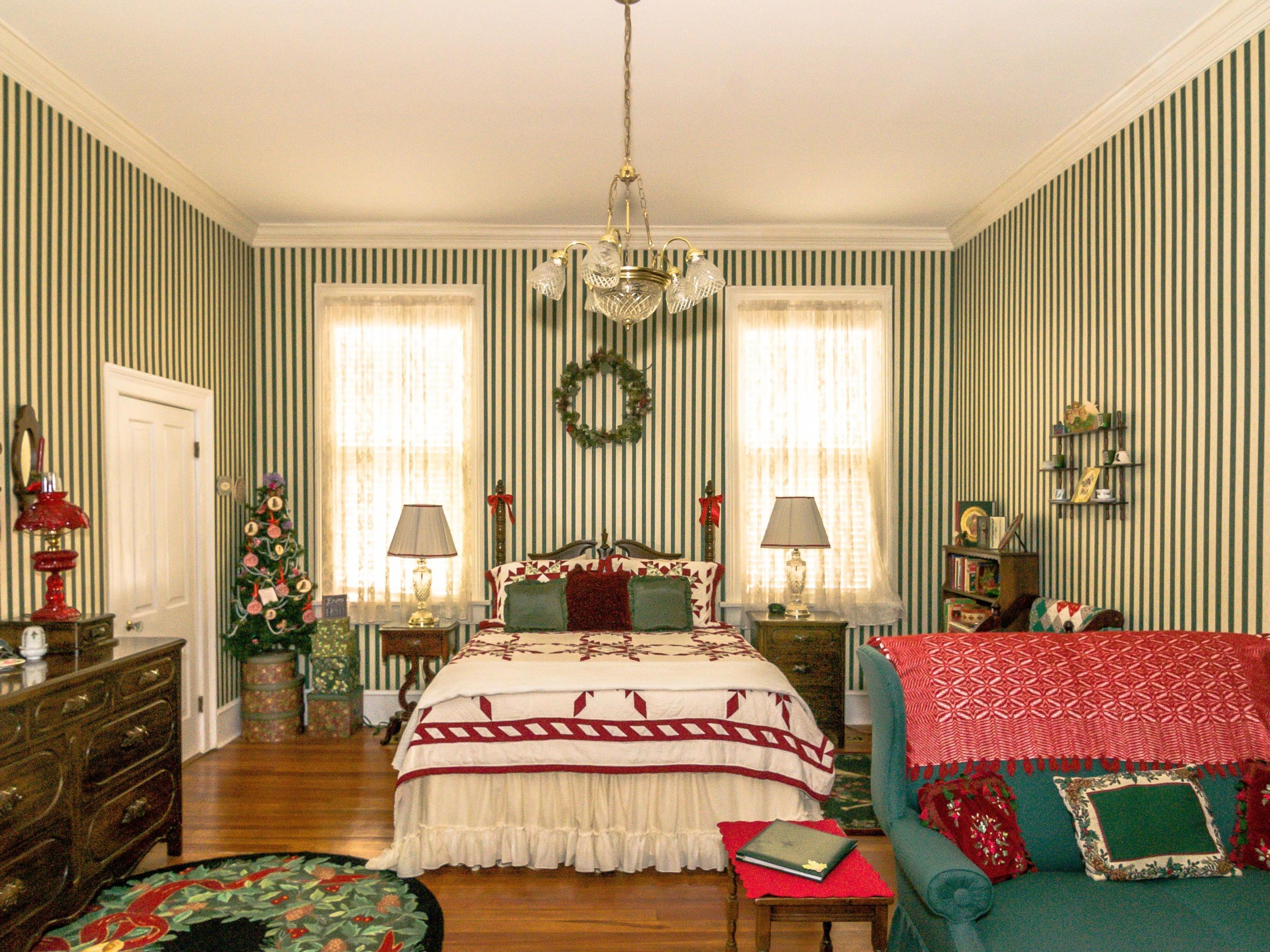 Holly Room