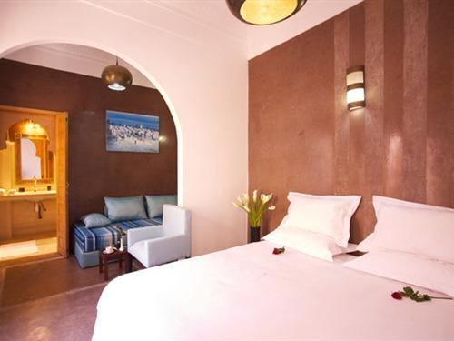 Suite-Supérieure-Salle de bain privée séparée-Chocolat