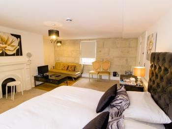 Thirtyfive B&B - Spacious superior king ensuite