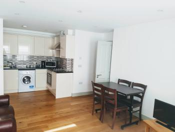 Apartment-Family-Ensuite with Bath-1 Bed Flat