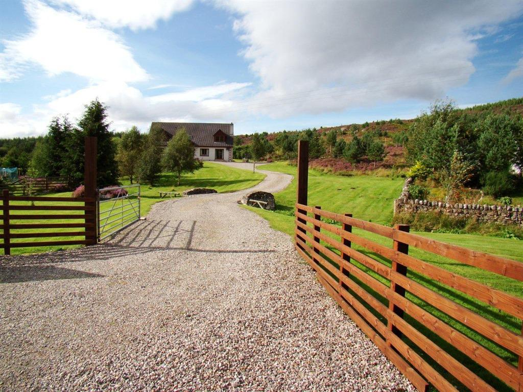 Binnilidh Mhor B&B Close to Loch Ness and the Great Glen Way and on the road to the Isle of Skye