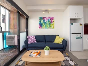 Apartment-Deluxe-Private Bathroom-Balcony-Unit 403 - Apartment-Deluxe-Private Bathroom-Balcony-Unit 403