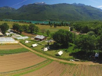 Les Jardins du Taillefer - vue aérienne camping et ferme