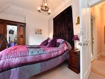 Luxury king size Room