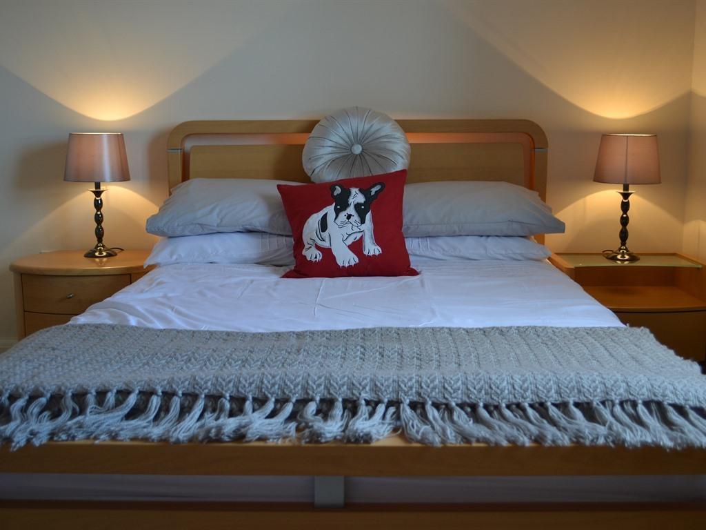 Quality Hotel Bedding