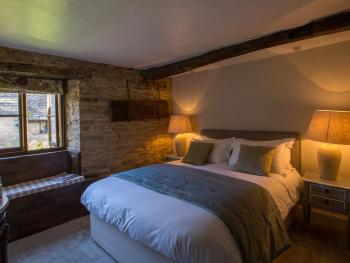 Traditional rooms with original features and King size beds