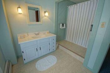 Bathroom Guest Room #3