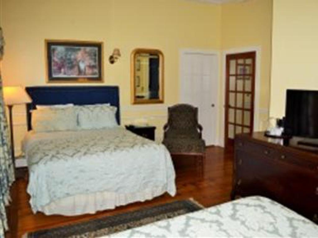 The House 2 Queen Beds (p-Triple room-Ensuite-Standard - Base Rate