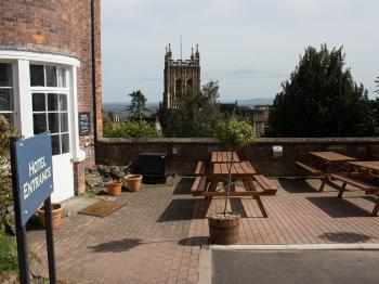 The Mount Pleasant Hotel - Beer garden