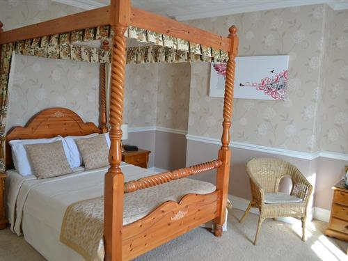 Double room-Luxury-Ensuite-Four Poster room 8